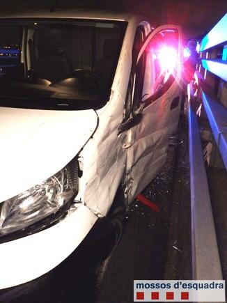 Detingut un jove de Cornellà accidentat a l'A-2 quan conduïa triplicant la taxa d'alcohol permesa