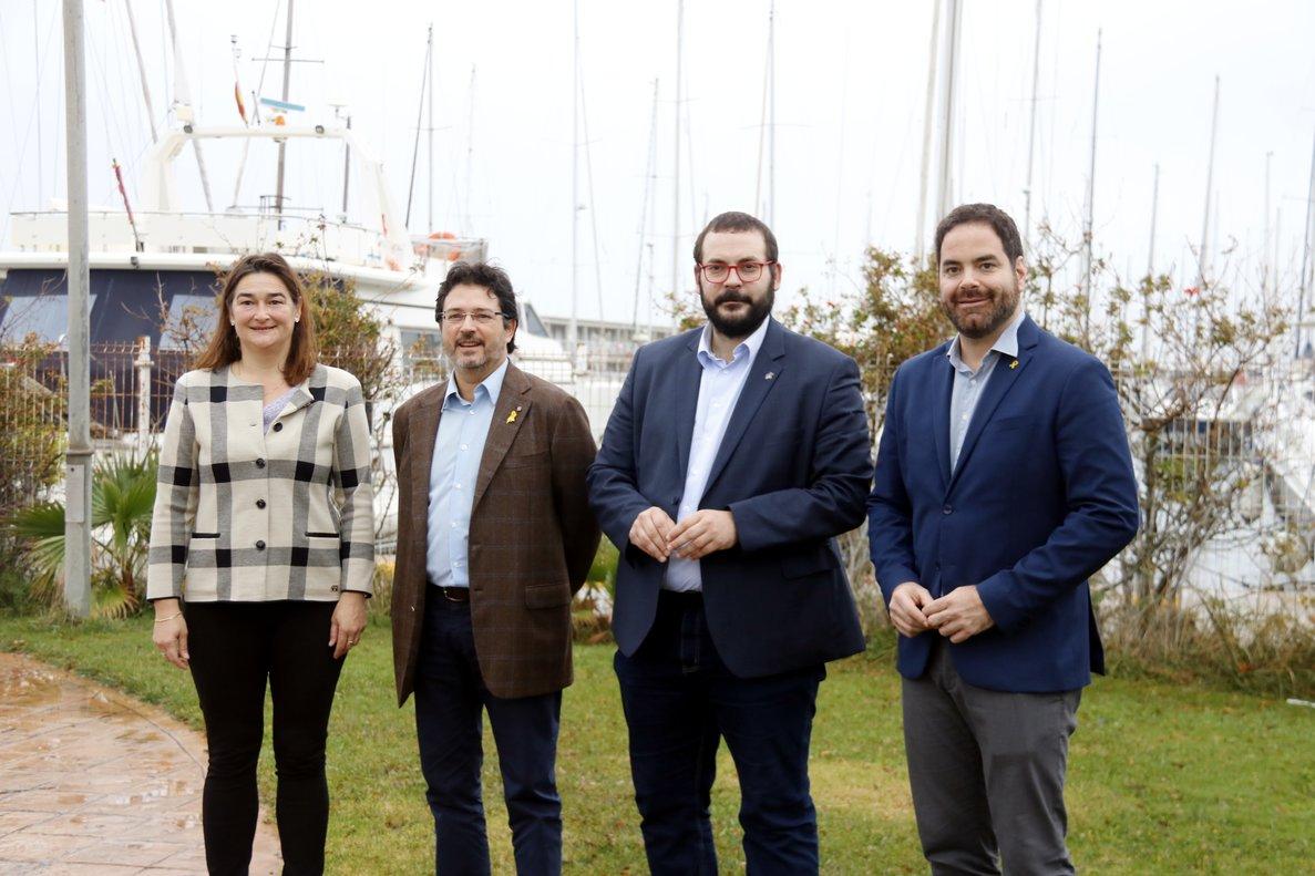 De izquierda a derecha, la gerente del puerto, Margarita Díez, el presidente del Consorci Port de Mataró, Isidre Gavín, el alcalde de Mataró, David Bote, y el director general de transportes y movilidad, David Saldoni.