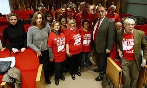 Foto de familia tras la rueda de prensa de la Asociacion de afectados de Hepatitis C en la Organización Medica Colegial