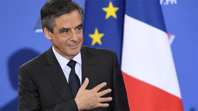 Tot apunta que Fillon disputarà la presidènciade l'Estat a Marine Le Pen, la candidata de la ultradreta.