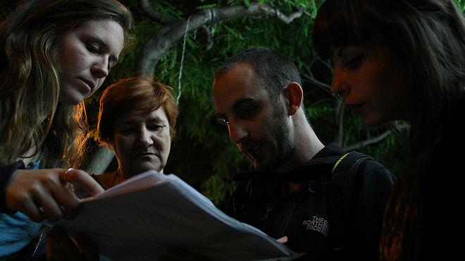 Voluntarios de Arrels se despliegan por el barrio de Sants