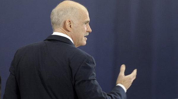 Merkel i Sarkozy pressionen Grècia perquè decideixi si abandona l'euro