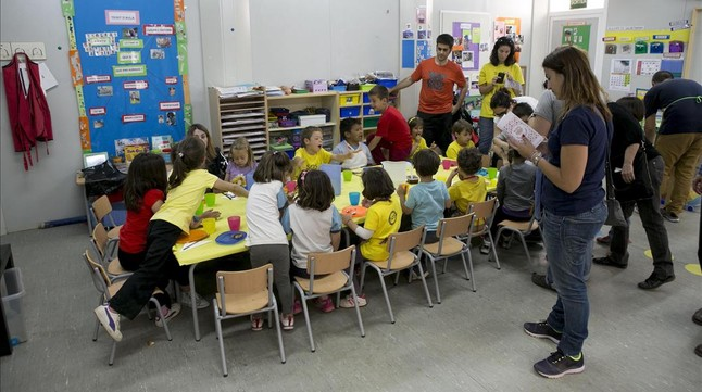 Un grupo de alumnos durante una clase en una escuela de Barcelona.