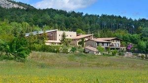 El Hotel El Jou Nature, en el corazón del Berguedà, está situado a poca distancia del Pedraforca.
