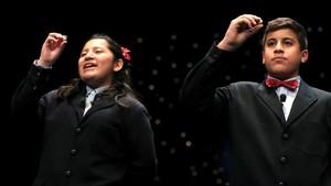 Niños de San Ildefonso cantando el Gordo de Navidad