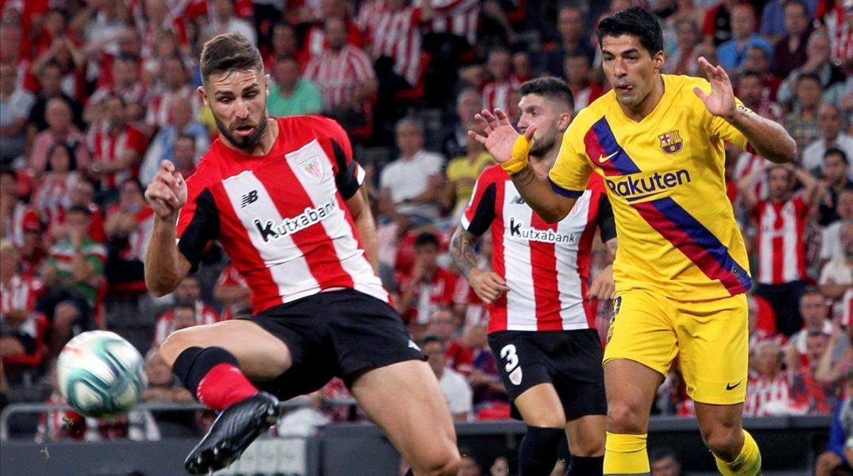 Luis Suárez se lesionó durante el primer tiempo en San Mamés.