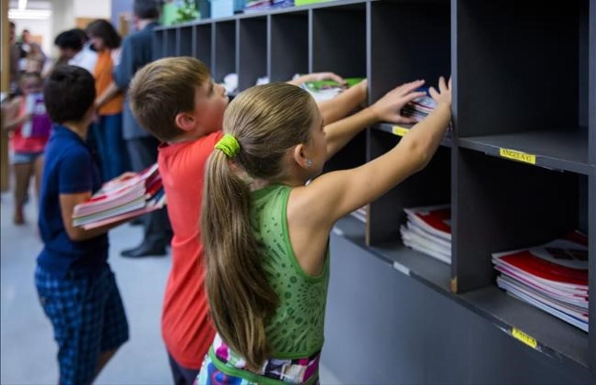 Un milió i mig d'alumnes catalans tornen aquest dilluns a classe