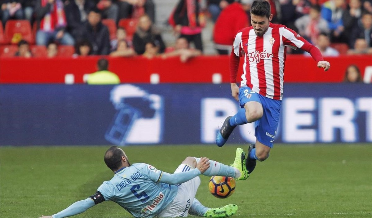 Moi Gómez (Sporting) en el partido contra el Celta de la jornada 24 de Primera División.