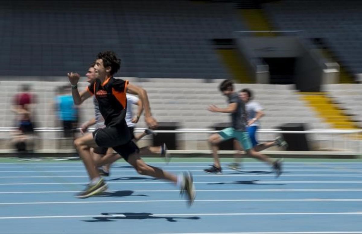 Carrera de 100 metros en Open Camp.