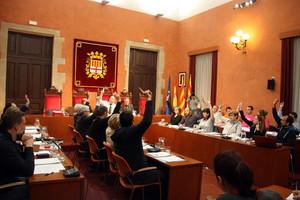 El pleno del Ayuntamiento de Manresa aprueba con los votos de CDC, ERC y CS, una moción sobre la menstruación alternativa a la de la CUP.