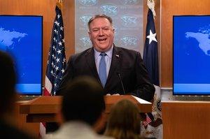 Pompeo dijo en un comunicado que Maduro no tiene la autoridad legal para romper las relaciones con EE.UU.