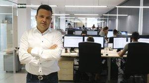 El presidente de Audax Renovables, José Elías, en las oficinas de Barcelona.