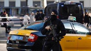Dispositivo de seguridad antiterrorista de los Mossos dEsquadraen las Rambles.