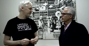 Baltasar Garzón y Julian Assange, en el documental Garzón / Assange: El juez y el rebelde, que emite el canal de pago Historia.,