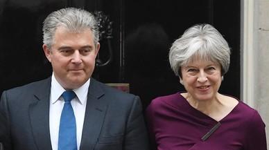 La limitada remodelación del Gobierno de May refleja su debilidad