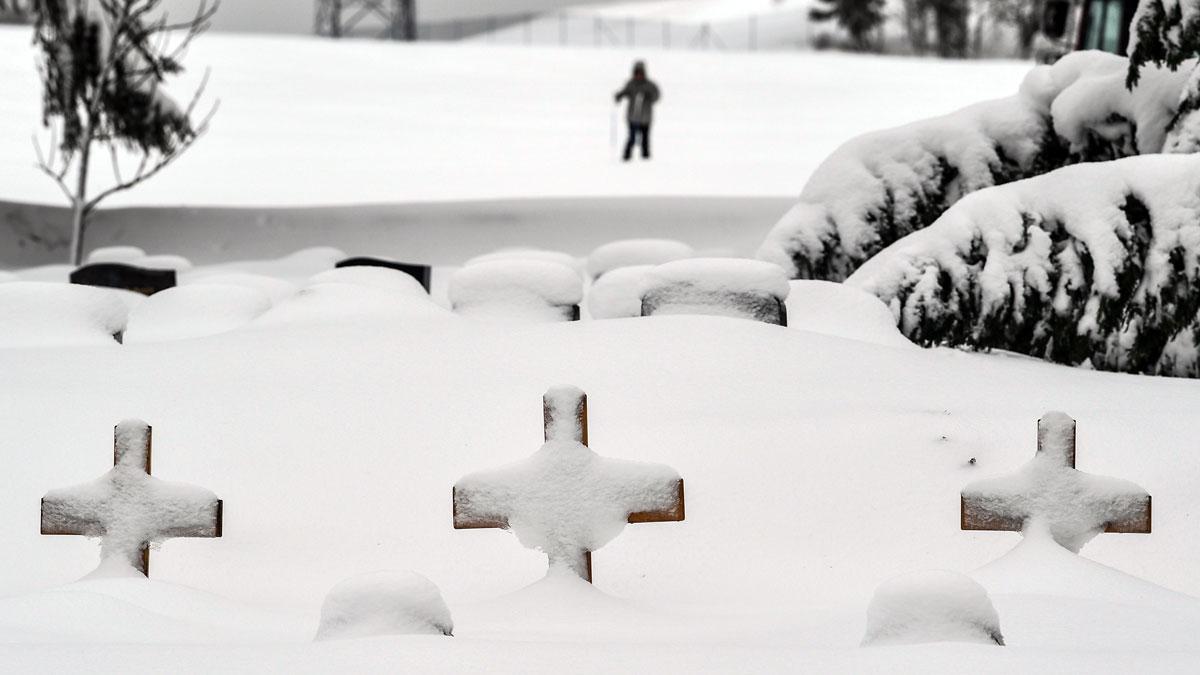 Al menos tres personas han muerto al ser arrastradas por una avalancha de nieve en la región de Vorarlberg.