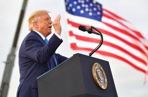 La Casa Blanca dijo que Trump tiene el máximo respeto para los militares.