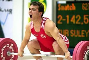 Naim Süleymanoglu, en una imagen del 2000.