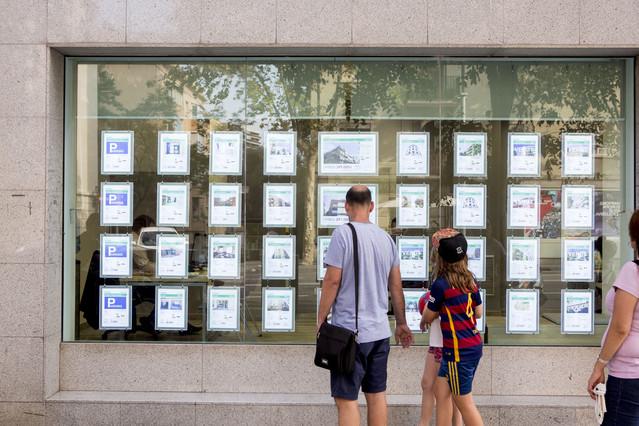 Una agencia inmobiliaria de Barcelona.