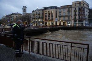 El río Onyar a su paso por Girona.