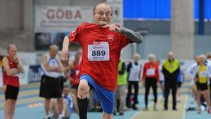 El centenario Giuseppe Ottavani, en pleno esfuerzo.
