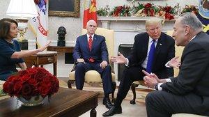 La tensió entre Trump i els demòcrates explota a la Casa Blanca davant de les càmeres