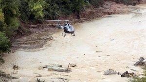 Labores de búsqueda de los desaparecidos por las lluvias en la Conca de Barverà hace casi un mes.