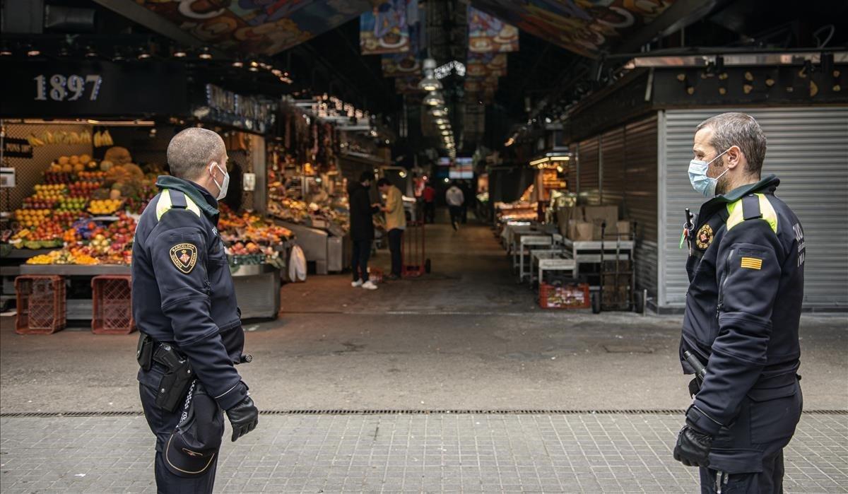 Els mercats de Barcelona reforcen el control d'accés