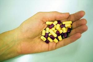 Cápsulas de antibióticos.