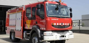 Un camión de bomberos.