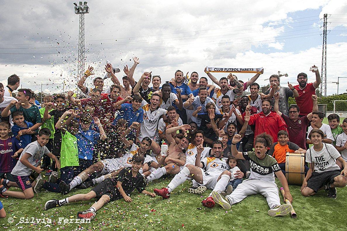 Tot a punt per a la recepció institucional del Club Futbol Parets per l'ascens a Primera Catalana