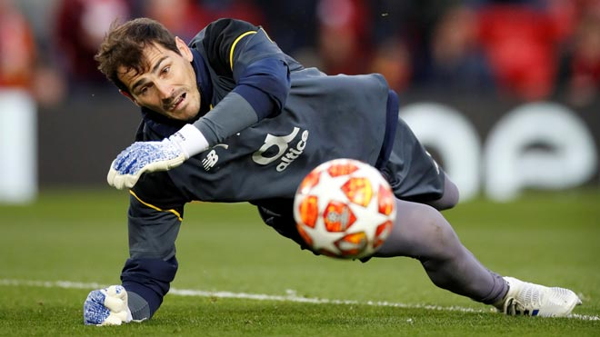 "Iker Casillas, operat després d'haver patit un ""infart agut"" en un entrenament"