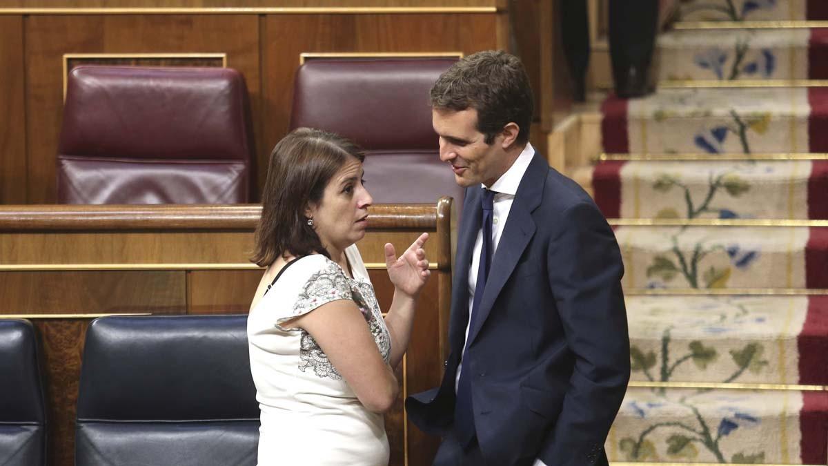 Adriana Lastra y Pablo Casado.