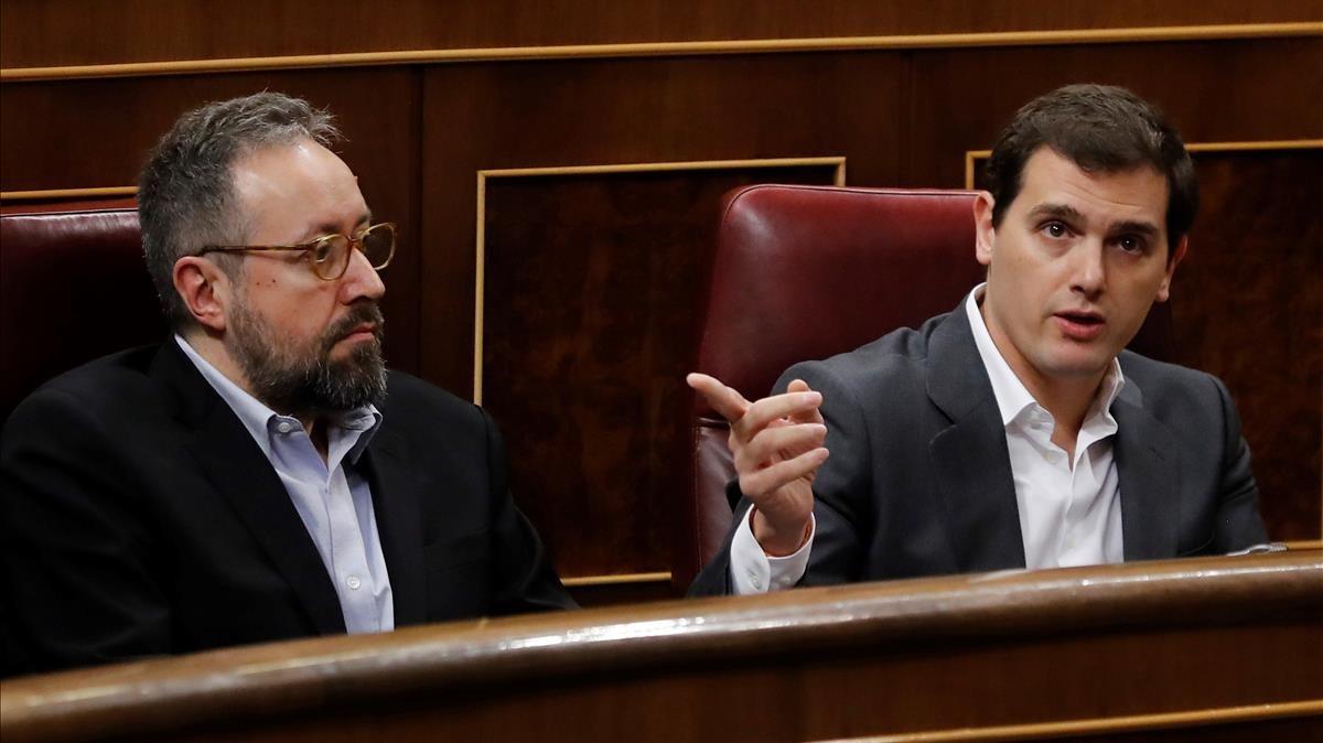 Albert Rivera y Juan Carlos Guirauta durante la sesión de control al Gobierno, esta mañana.