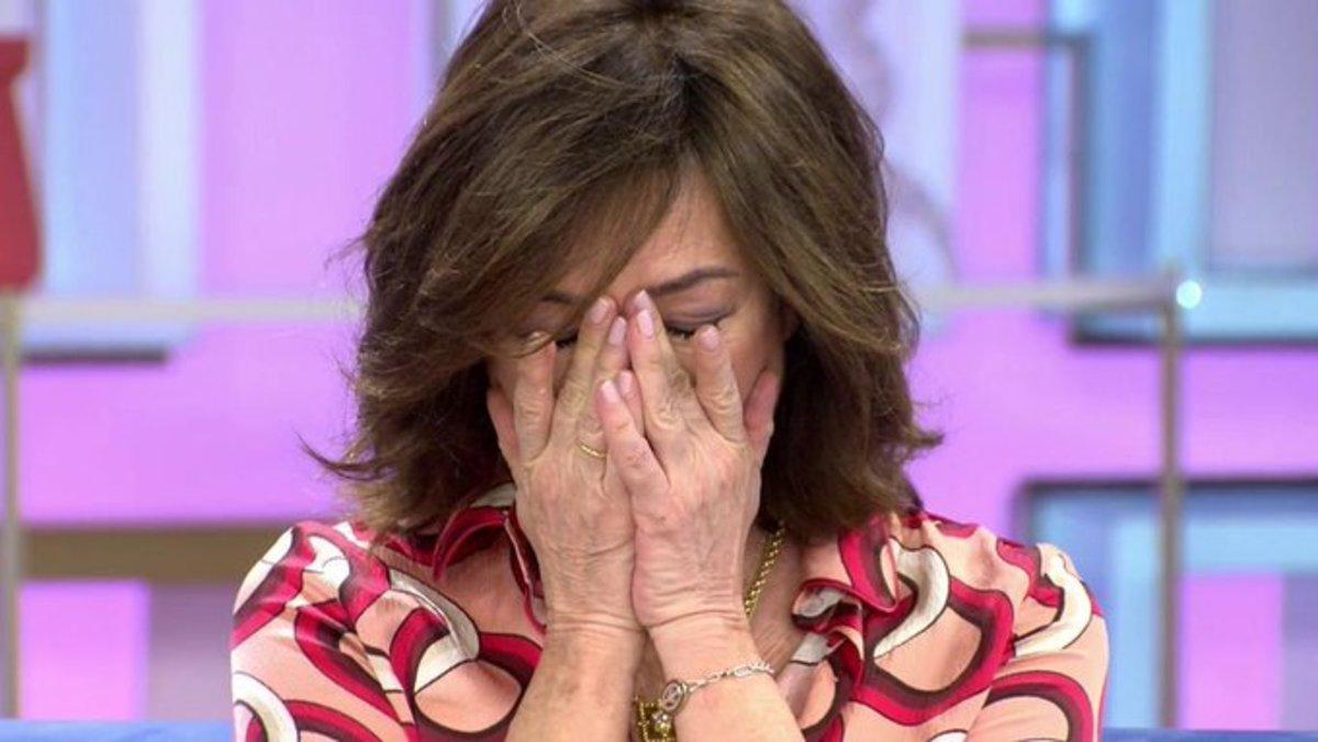 """Ana Rosa se rompe al despedirse antes de sus vacaciones: """"Ha sido la temporada más difícil"""""""
