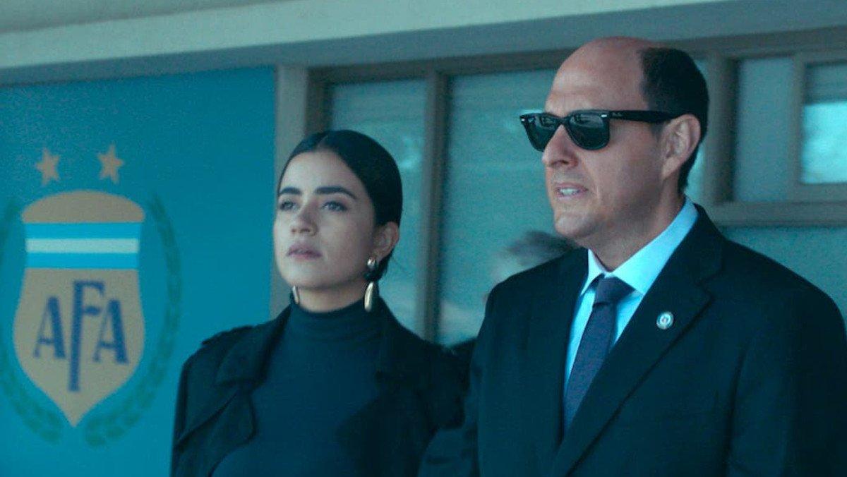 Andrés Parra y Paulina Gaitán, en la serie de Amazon Prime Video 'El presidente'.