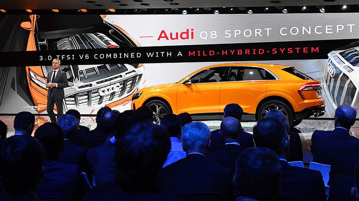 El Audi Q8, versión todo camino del A8.