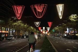 La avenida del Paral·lel, en la confluencia con Sant Pau, con la iluminación navideña.