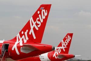Aviones de Airasia en Bangkok, Tailandia.