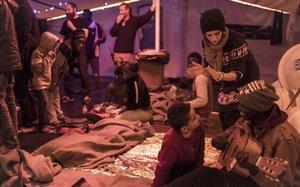 Fotografía del pasado 24 de diciembredelSea-Watch 3 con parte de los inmigrantes.