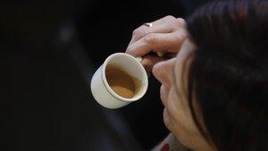 Un café espresso, en una cafetería de Milán.
