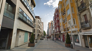 La calle de los Fueros de Vitoria.
