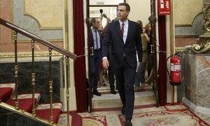 El candidato del PSOE a la Presidencia del Gobierno, Pedro Sánchez, llega al Congreso.