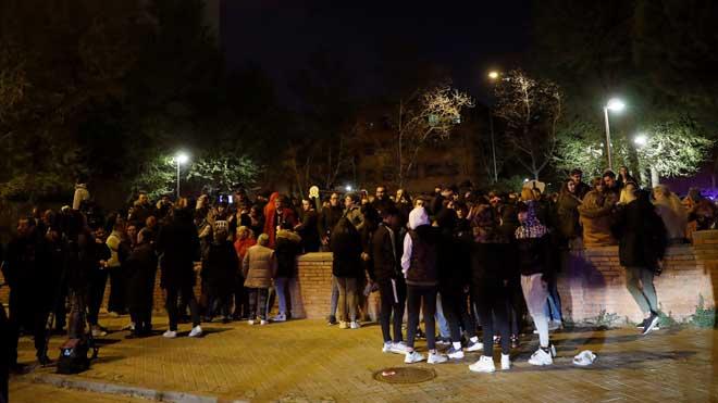 Cuarta noche de tensión vecinal en Vallecas.