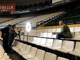 El exjugador Tomàs Jofresa hablando en el documental.