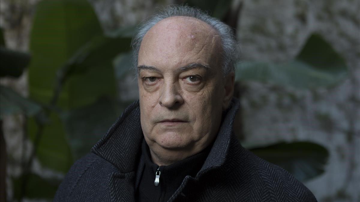 El escritor barcelonés Enrique Vila-Matas, en Barcelona, este mes de abril.