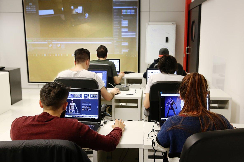 Los alumnos podrán estudiar el grado desde casa, pero los exámenes serán presenciales