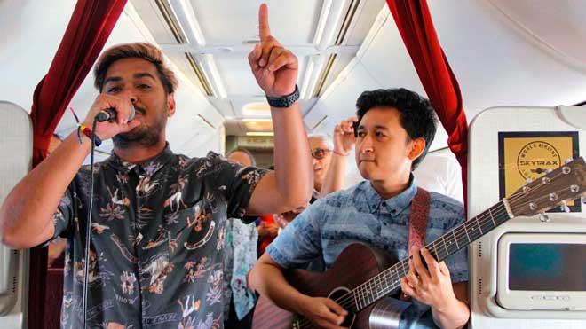 Una aerolínia ofereix concerts en viu durant el vol