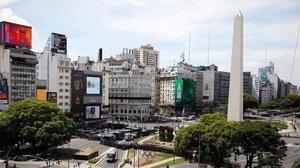 Dos muertos y más de 40 heridos en incendio de hotel en Buenos Aires