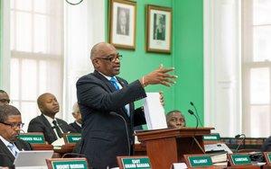Hubert Minnis, el primer ministro de Bahamas.